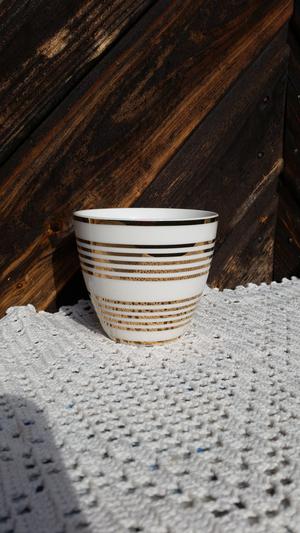 Lattemugg, thiana gold, h:9cm, greengate